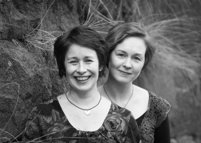 Tallari vierainaan Marianne Maans ja Juulia Salonen